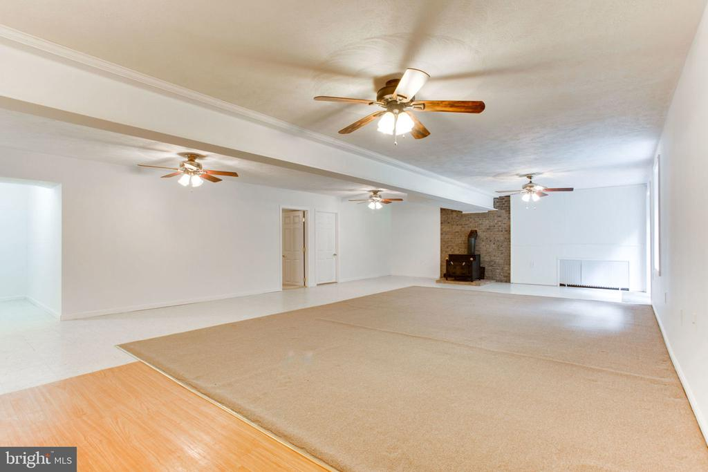 Huge Finished Basement with Wood Stove - 6800 TOKEN VALLEY RD, MANASSAS