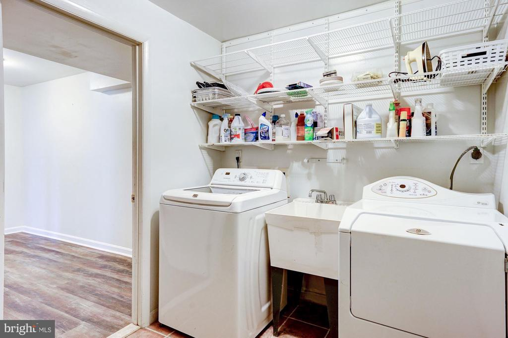 Laundry room - 8110 GREELEY BLVD, SPRINGFIELD