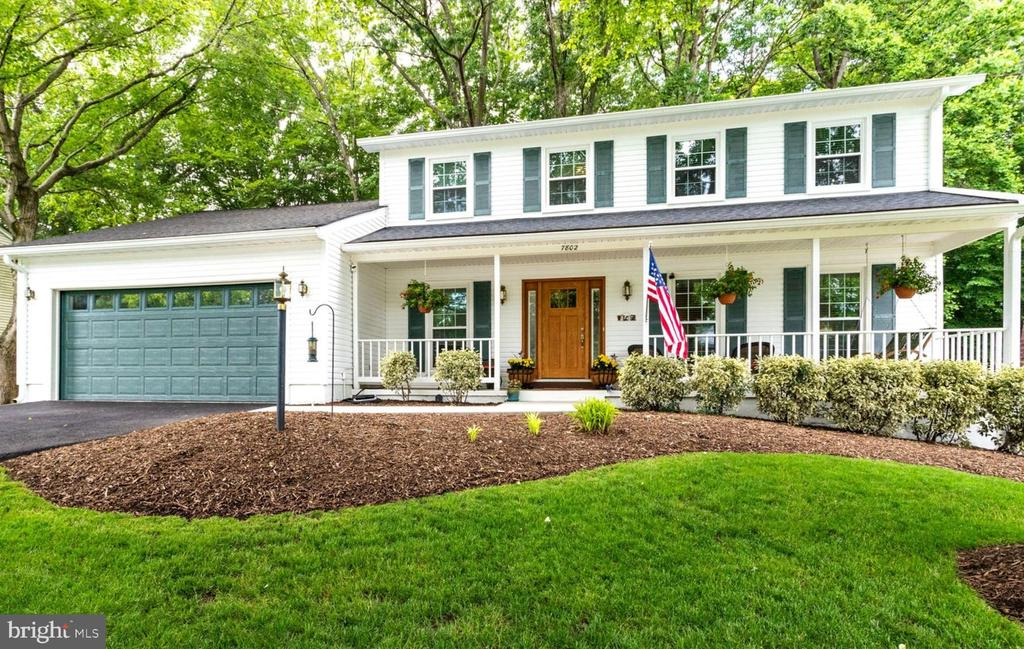 Beautifully Updated & Lots of Charm! - 7802 TOWER WOODS DR, SPRINGFIELD