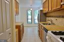 Kitchen - 11236 CHESTNUT GROVE SQ #161, RESTON
