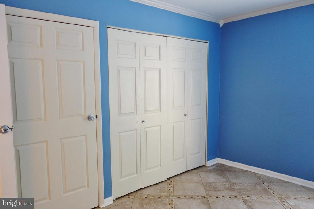 Bedroom 2 - 11236 CHESTNUT GROVE SQ #161, RESTON