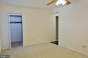 Master Bedroom w/ walk in closet - 11236 CHESTNUT GROVE SQ #161, RESTON