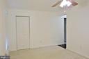 Master Bedroom w/ walk in closet and full bath - 11236 CHESTNUT GROVE SQ #161, RESTON