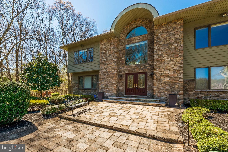 Single Family Homes för Försäljning vid Perrineville, New Jersey 08535 Förenta staterna