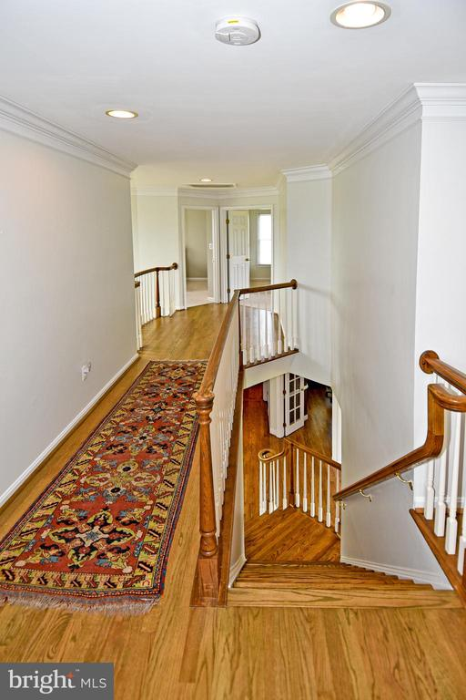 Upper level hallway  with recessed lighting - 42324 BIG SPRINGS CT, LEESBURG