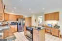 Large kitchen with oak cabinetry and granite - 803 HORIZON WAY, MARTINSBURG