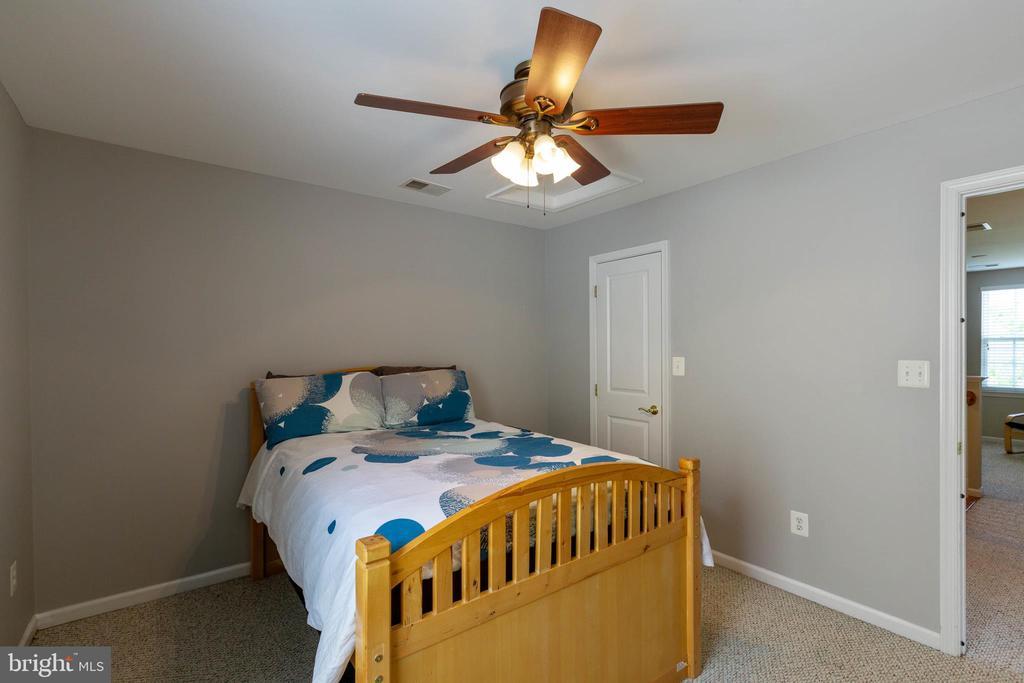 Bedroom 2 - 9413 PRIMROSE LN, MANASSAS PARK