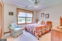 Large window and ceiling fan - 803 HORIZON WAY, MARTINSBURG