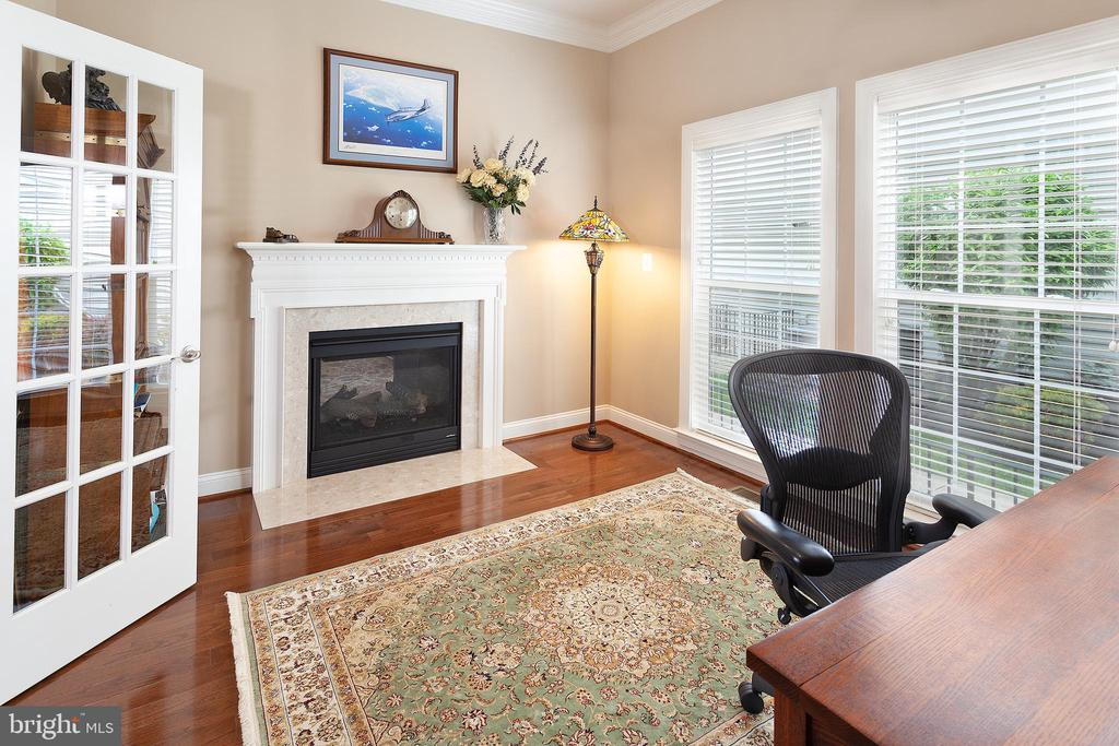 Office with gas log fireplace! - 6313 STILL SPRING PL, ALEXANDRIA