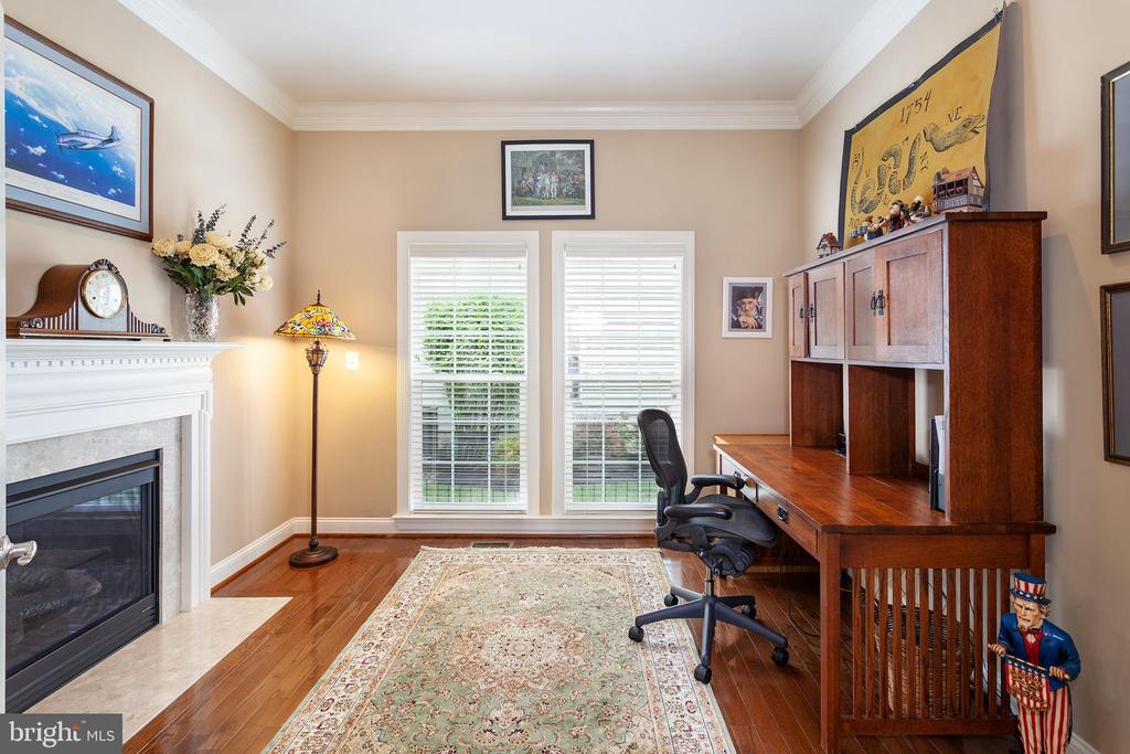 Sunny Office Space! - 6313 STILL SPRING PL, ALEXANDRIA