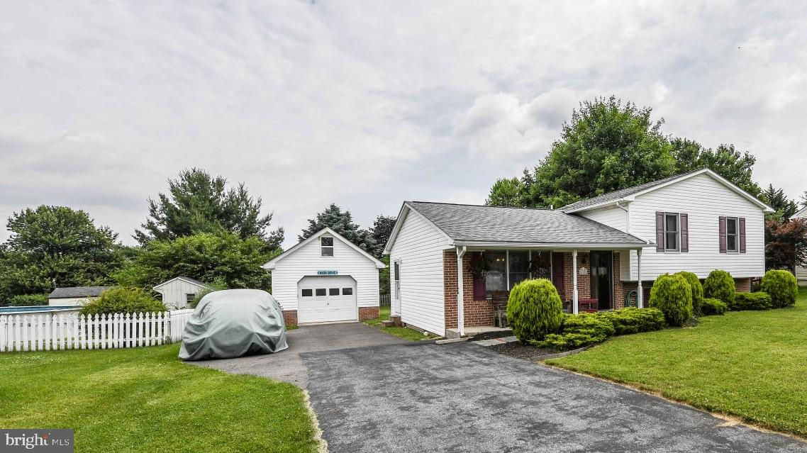 Single Family for Sale at 108 Rebeccas Ct Smithsburg, Maryland 21783 United States