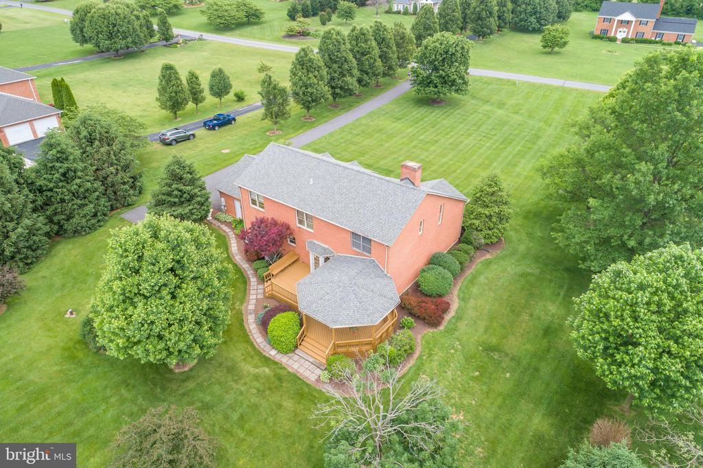 landscaped lot. Large, grassy, and flat! What more - 803 HORIZON WAY, MARTINSBURG
