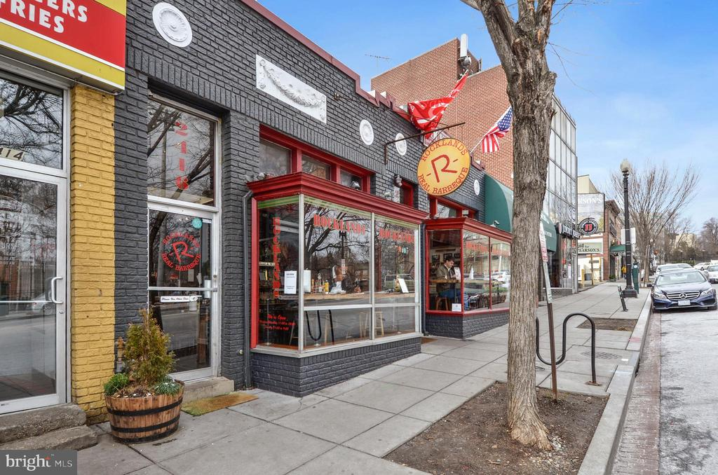 Walk to Glover Park restaurants including BBQ! - 4100 W ST NW #515, WASHINGTON