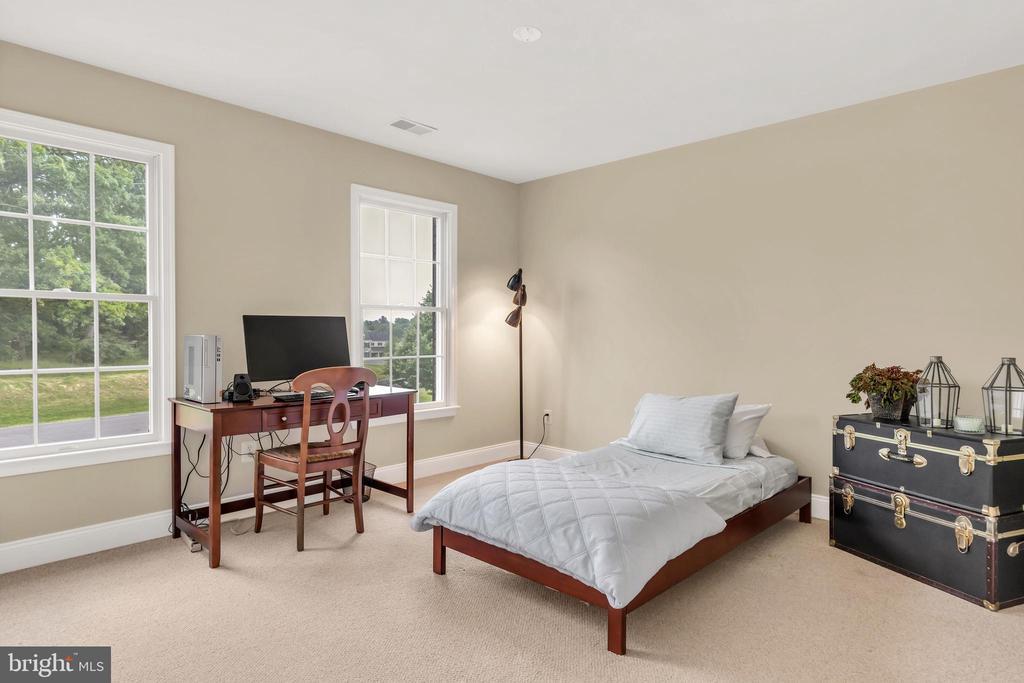 Bedroom 2 - 18131 PERTHSHIRE CT, LEESBURG