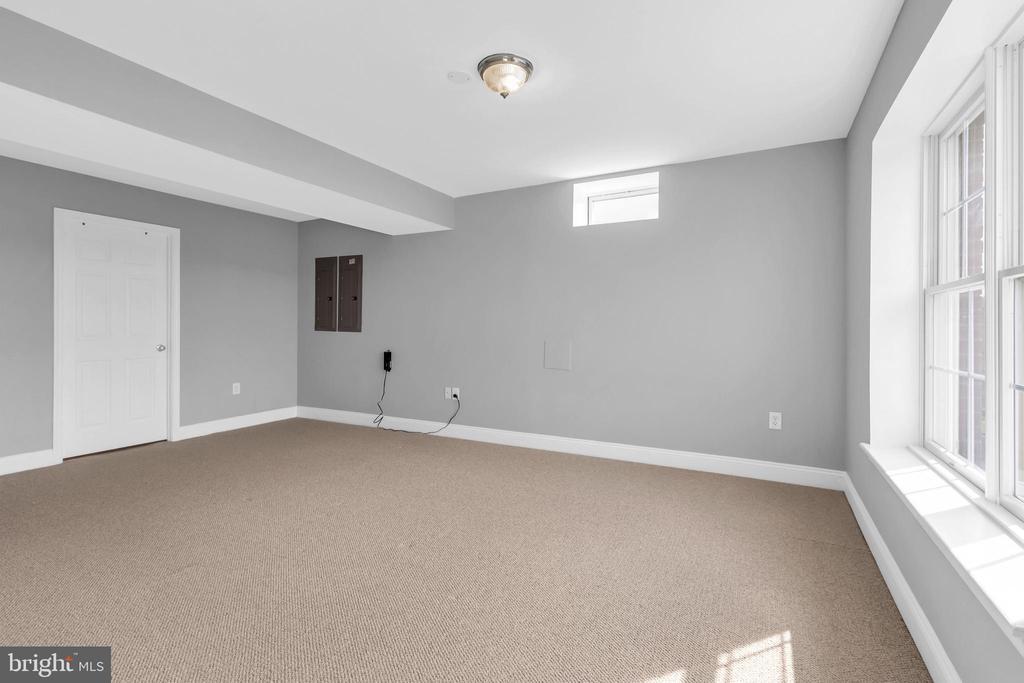 Lower Level Bedroom 6 - 18131 PERTHSHIRE CT, LEESBURG