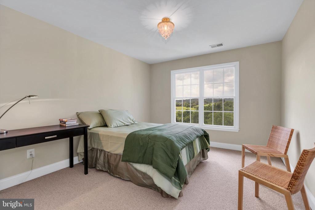Bedroom 4 - 18131 PERTHSHIRE CT, LEESBURG