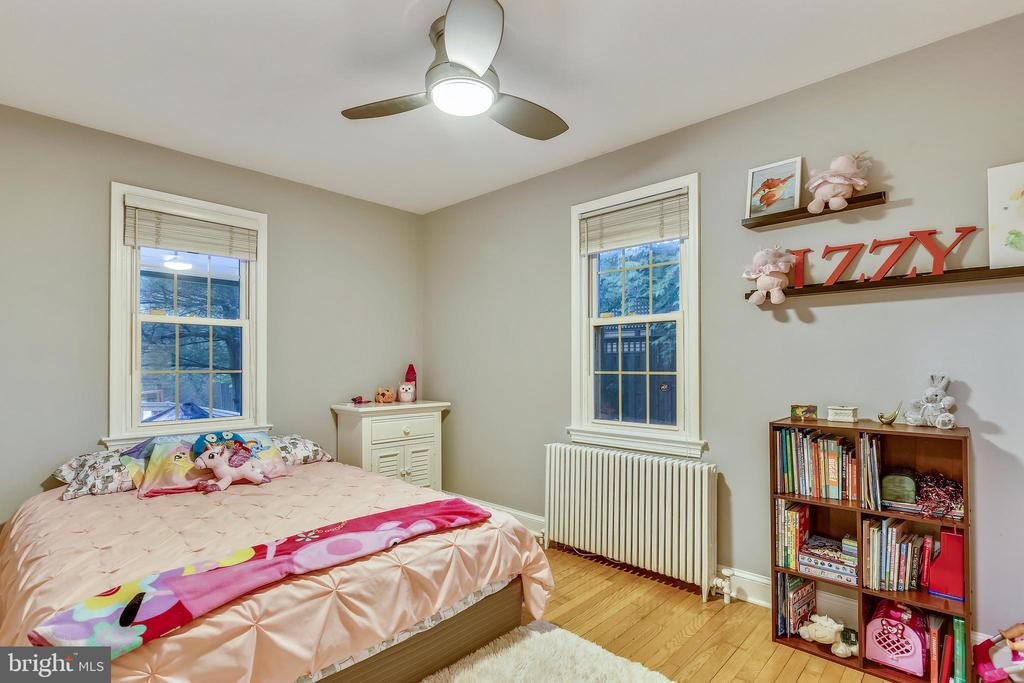 Main Floor Bedroom has windows on 2 sides. - 2418 HURST ST, FALLS CHURCH
