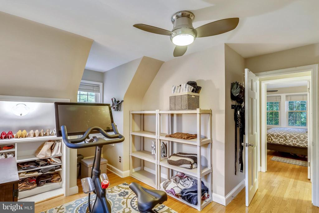 Large additional Bedroom has dormer-ed window. - 2418 HURST ST, FALLS CHURCH