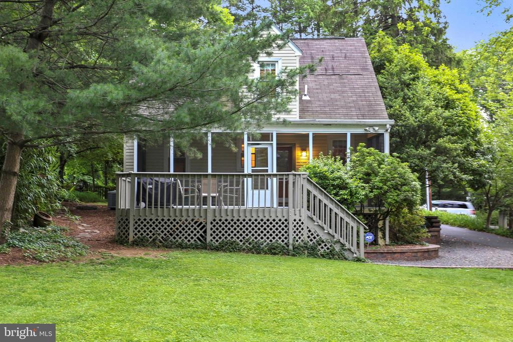Backyard is PERFECTION - screen porch & large deck - 2418 HURST ST, FALLS CHURCH