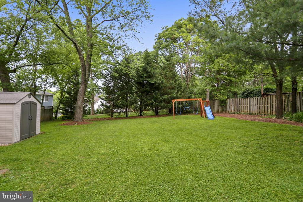 Lots of space in backyard. - 2418 HURST ST, FALLS CHURCH