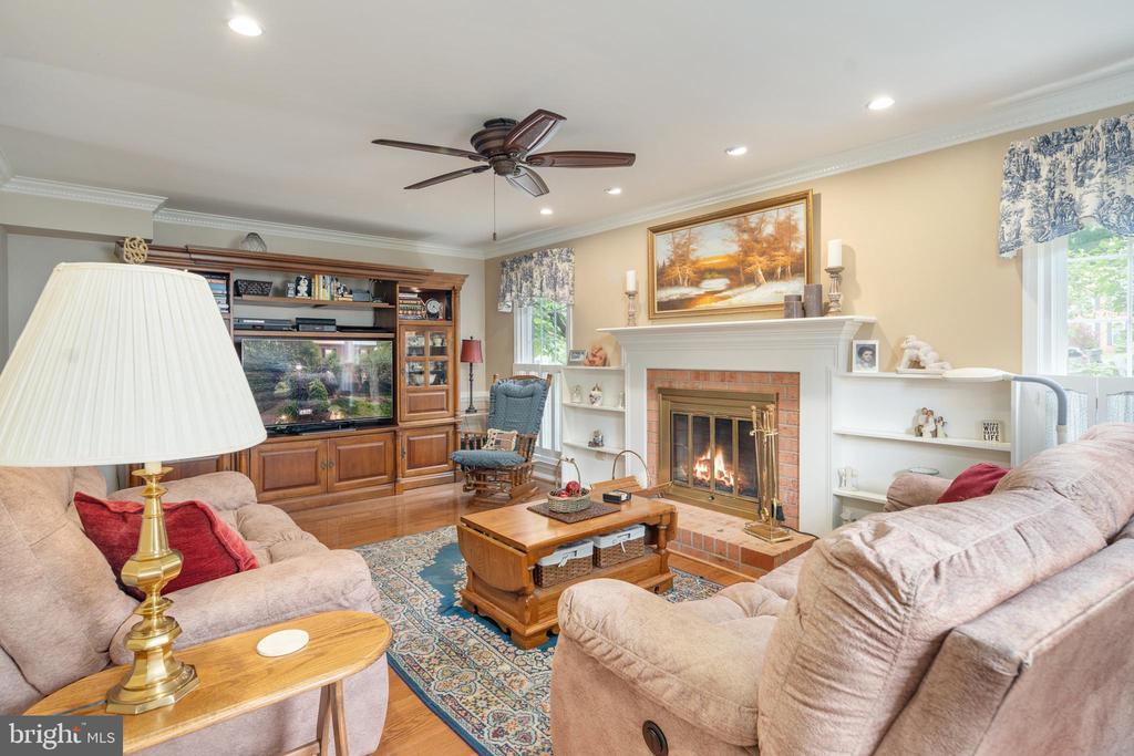 Living Room - 14864 SWALLOW CT, WOODBRIDGE