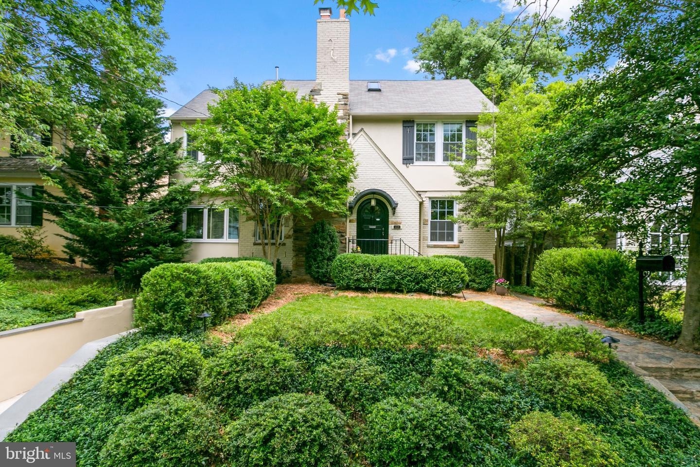 Single Family for Sale at 4529 Lowell St NW 4529 Lowell St NW Washington, District Of Columbia 20016 United States