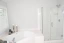Spa like shower and tub - 12809 SHADOW OAK LN, FAIRFAX
