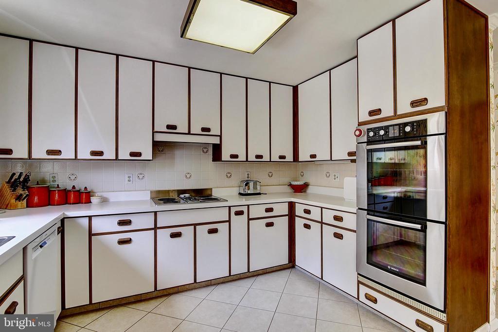 Kitchen. - 23118 PANTHERSKIN LN, MIDDLEBURG