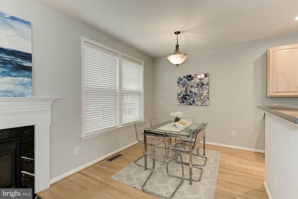 Photo of previously staged Breakfast Area - 47831 SCOTSBOROUGH SQ, STERLING