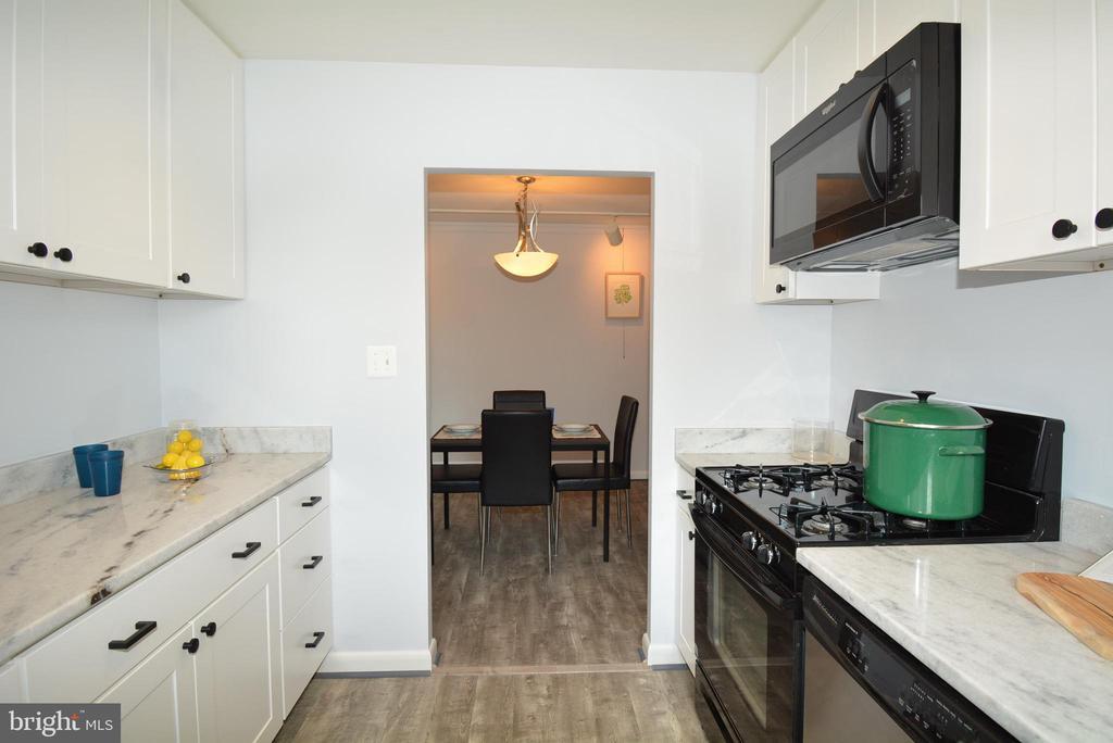 Kitchen - 3515 WASHINGTON BLVD #211, ARLINGTON