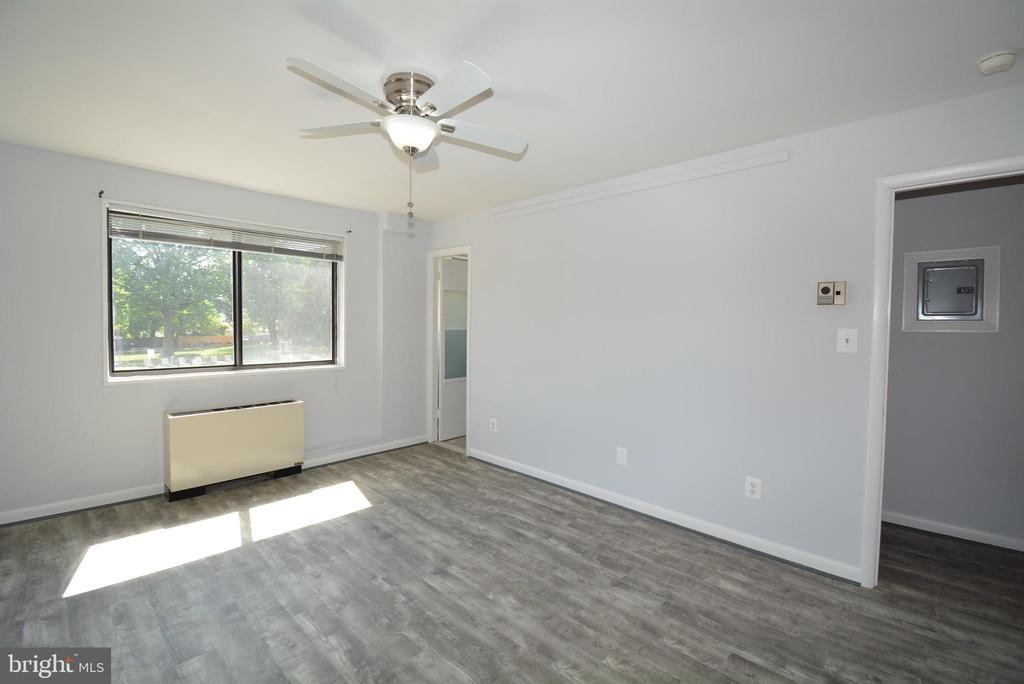 Bedroom 1 - 3515 WASHINGTON BLVD #211, ARLINGTON