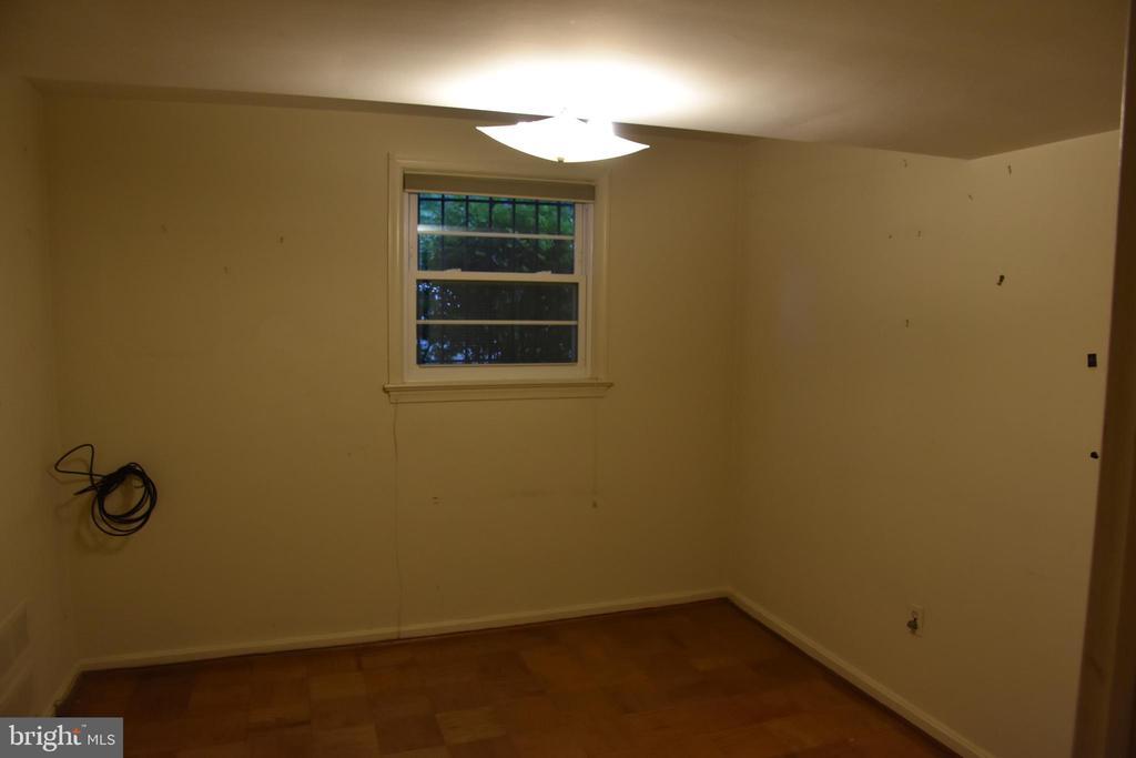 Lower Office - 3827 N ABINGDON ST, ARLINGTON