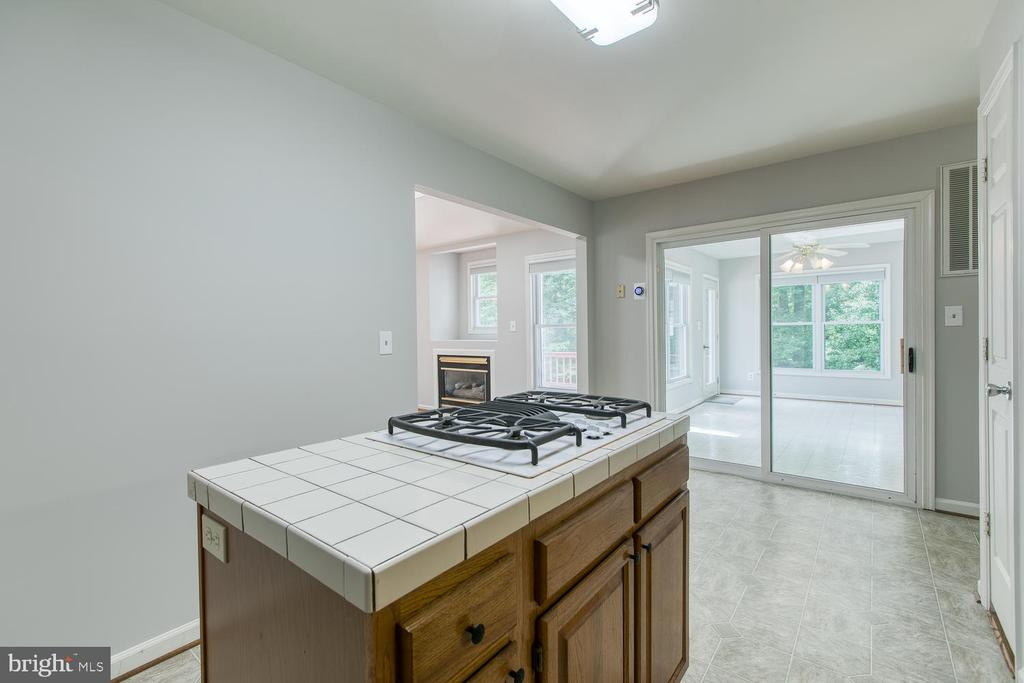 Spacious Adjoining Breakfast Area - 6814 ORCHID LN, FREDERICKSBURG