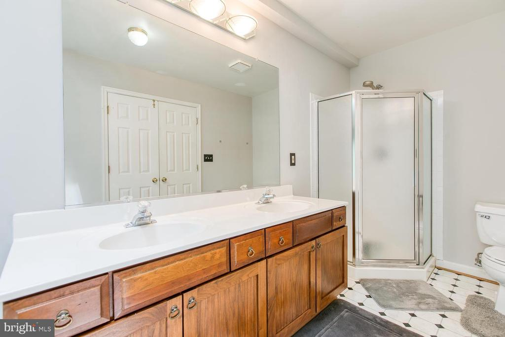 Master Bath with Double Sinks - 6814 ORCHID LN, FREDERICKSBURG