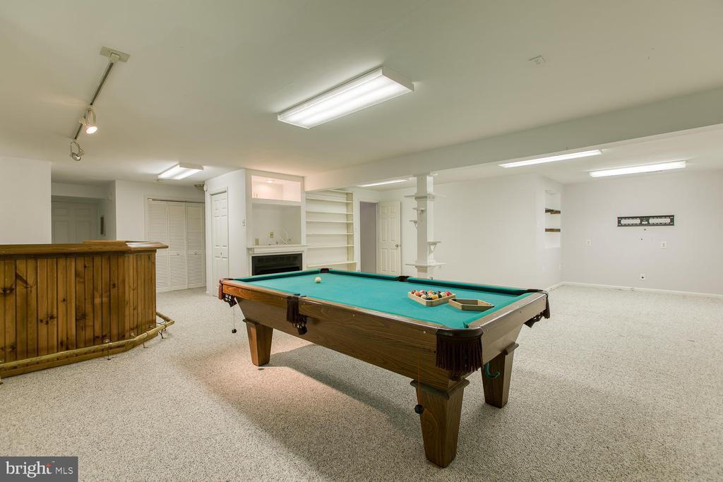 Basement comes with Pool Table and Bar! - 6814 ORCHID LN, FREDERICKSBURG