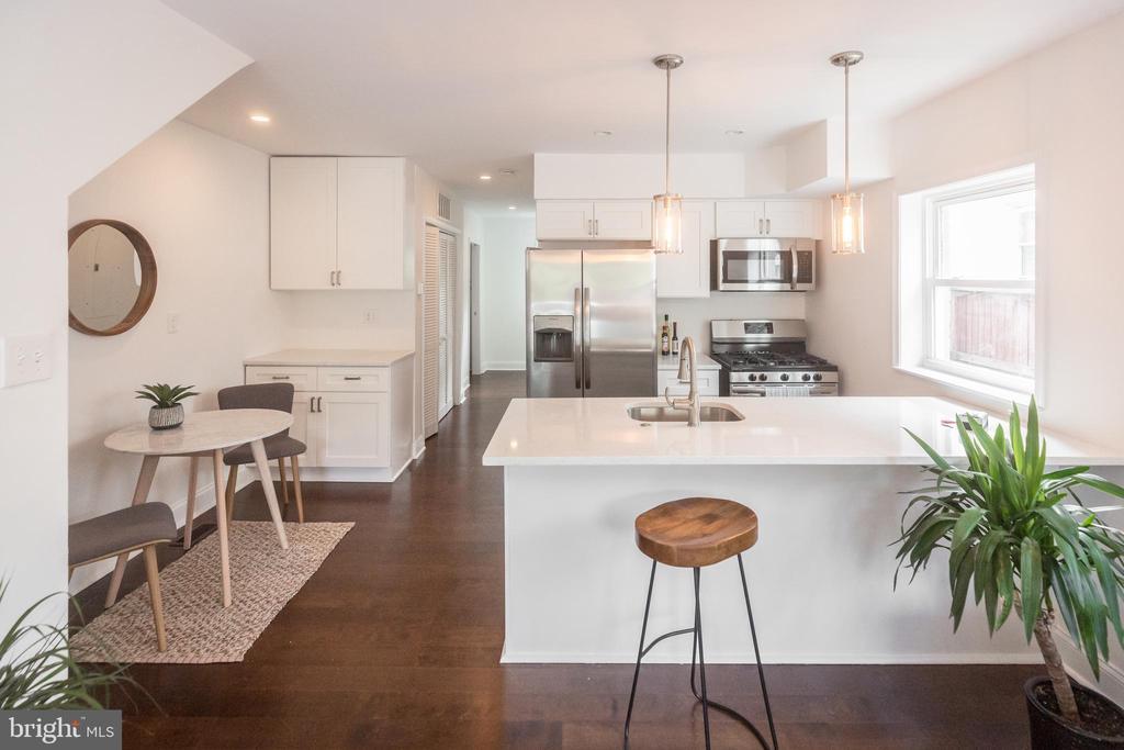 Fully remodeled.,..great location! - 3659-3661 HORNER PL SE, WASHINGTON