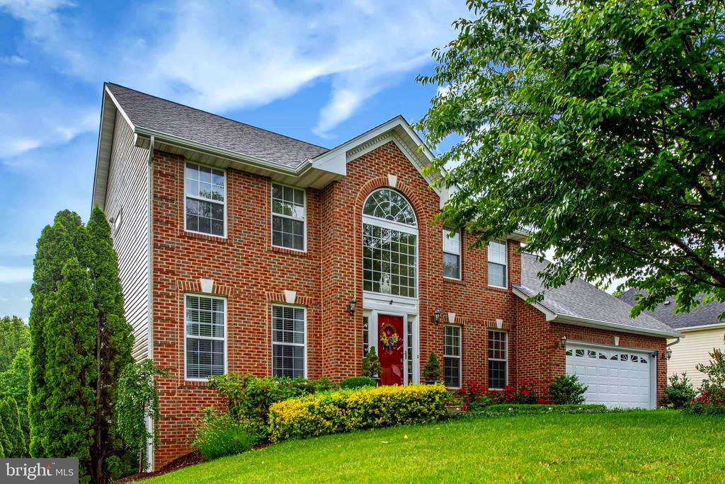- 8 MONUMENT DR, STAFFORD
