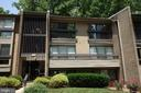 Top floor unit with vaulted ceilings - 2114 GREEN WATCH WAY #301, RESTON