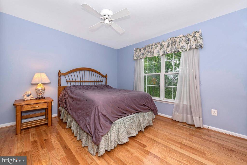 2nd Bedroom overlooking backyard - 1706 DEARBOUGHT CT, FREDERICK