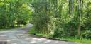 Quiet neighborhood. - 10209 WESTFORD DR, VIENNA