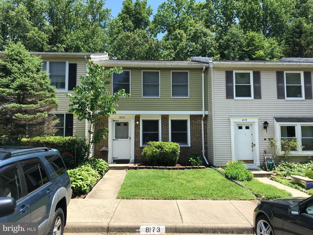 Front Exterior - 8173 WILLOWDALE CT, SPRINGFIELD