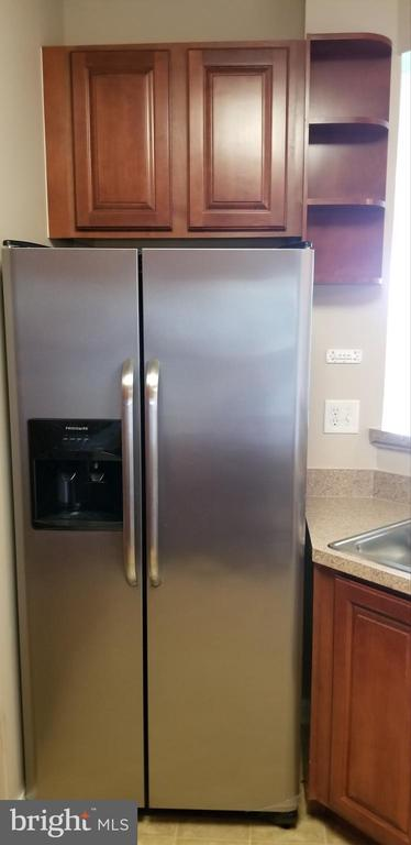 New Stainless Still Refrigerator with Ice Maker - 14301 KINGS CROSSING BLVD #303, BOYDS