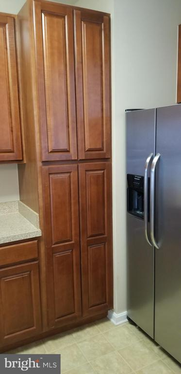 Upgraded Food Pantry - 14301 KINGS CROSSING BLVD #303, BOYDS