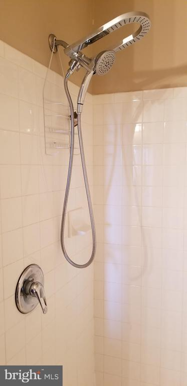 Shower at Hallway Bathroom - 14301 KINGS CROSSING BLVD #303, BOYDS