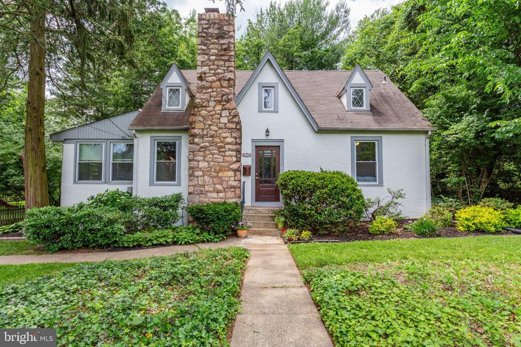 Falls Church Homes for Sale -  Farm,  2756  WOODLAWN AVENUE