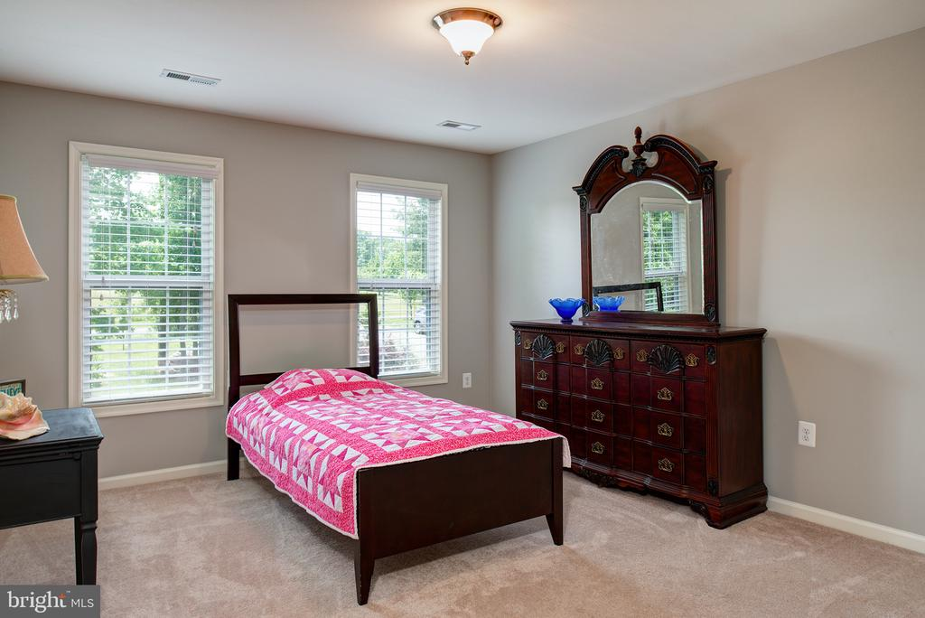 Bedroom 3 - 16339 WOODGROVE RD, ROUND HILL