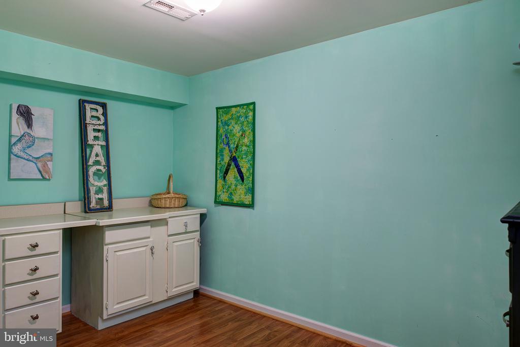 Basement Craft room - 16339 WOODGROVE RD, ROUND HILL
