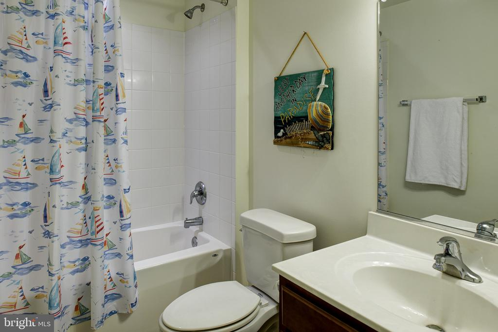 Basement full Bath - 16339 WOODGROVE RD, ROUND HILL
