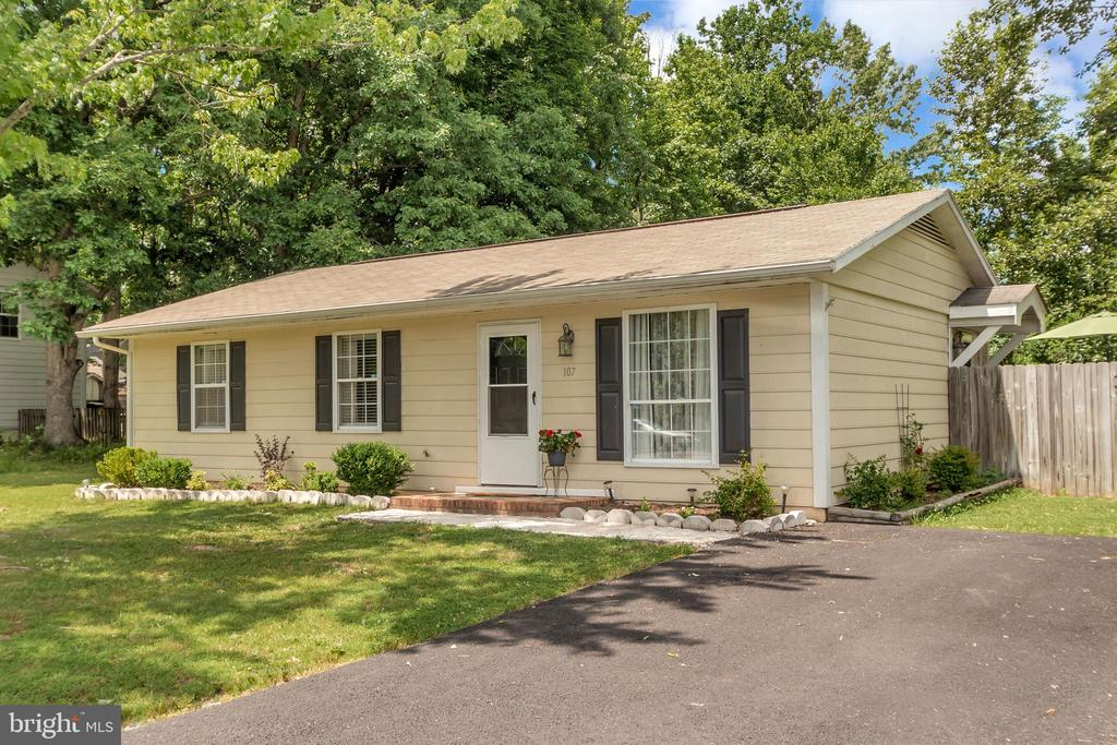 Welcome Home! - 107 PATTERSON AVE, FREDERICKSBURG