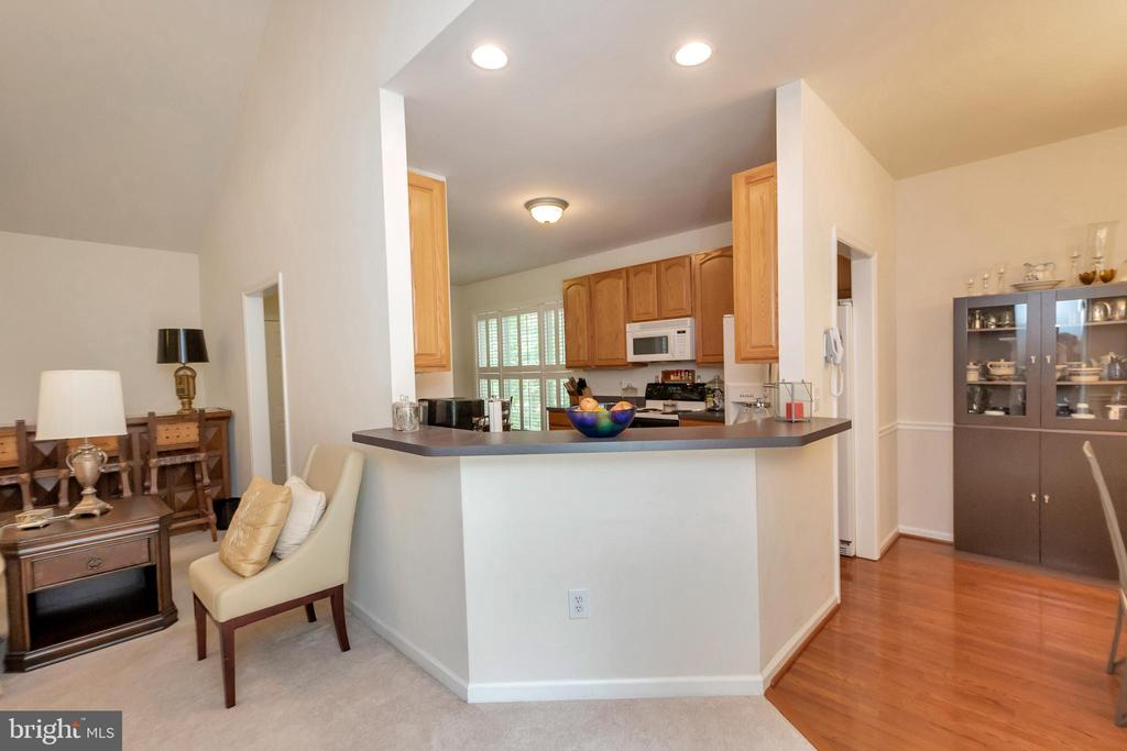 Open kitchen concept - 1400 LAKEVIEW PKWY, LOCUST GROVE